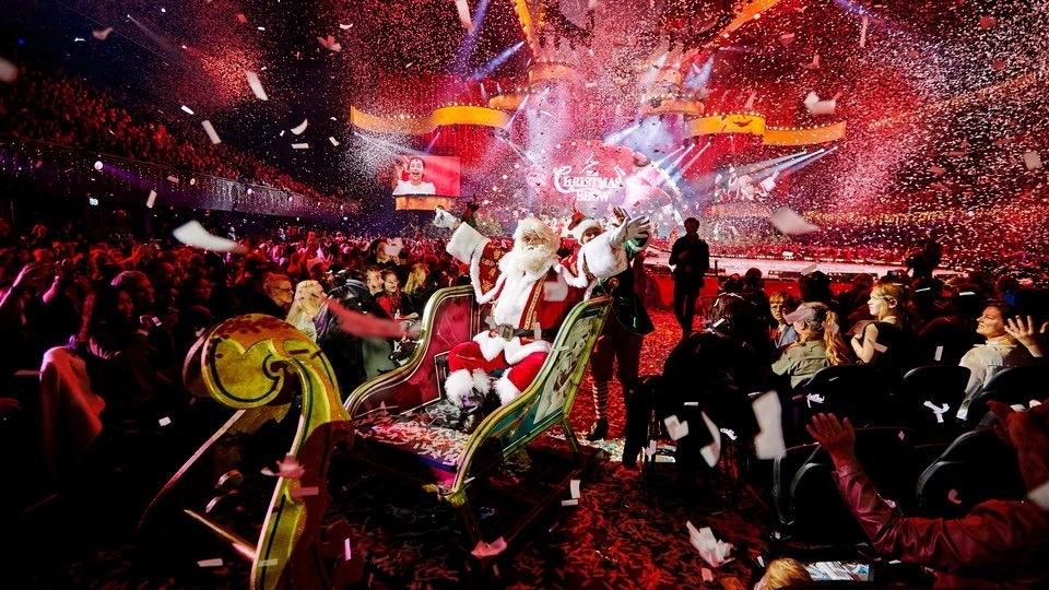 Assepoester met Kerst in de Ziggo Dome