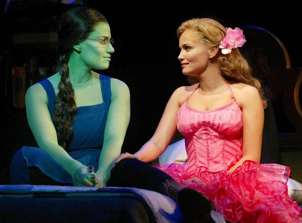 Idina Menzel en Kristin Chenoweth herenigd bij viering vijftien jaar 'Wicked'