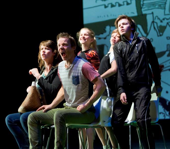 Wel Winnen He - Theatervoorstelling uitgevoerd door Stichting Po