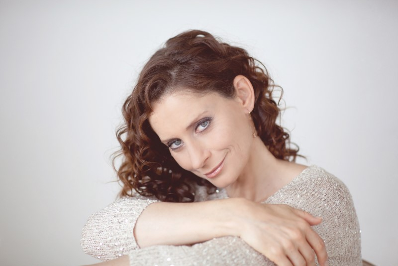 Pia Douwes met concert 'A Midwinter's Tale' in Nederlandse theaters