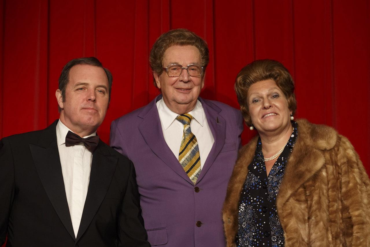Tante Leen, Johnny Jordaan en Willy Alberti komen tot leven bij 'Kerstfeest in de Jordaan'