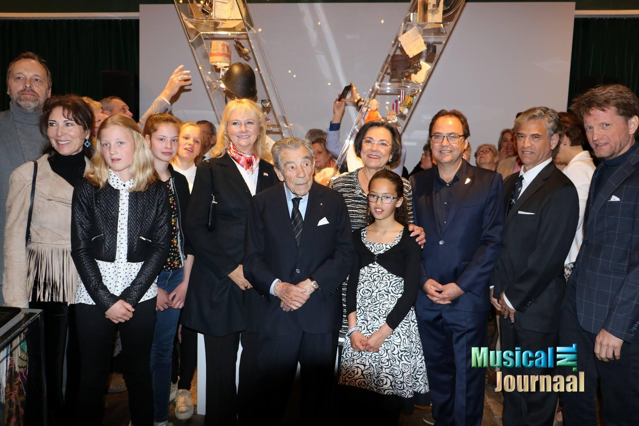 Gerdi Verbeet spreekt bij onthulling V-monument Soldaat van Oranje