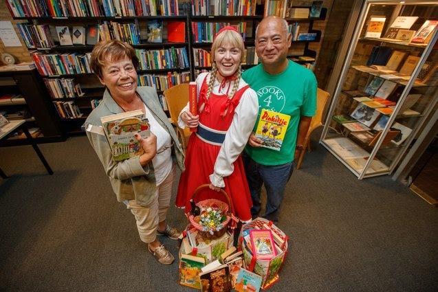 Efteling doneert boeken 'De Sprookjessprokkelaar' aan Books 4 Life
