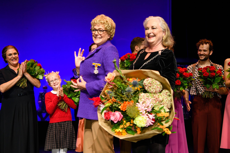 simone kleinsma 50 jaar Simone Kleinsma geëerd met koninklijke onderscheiding voor hele  simone kleinsma 50 jaar