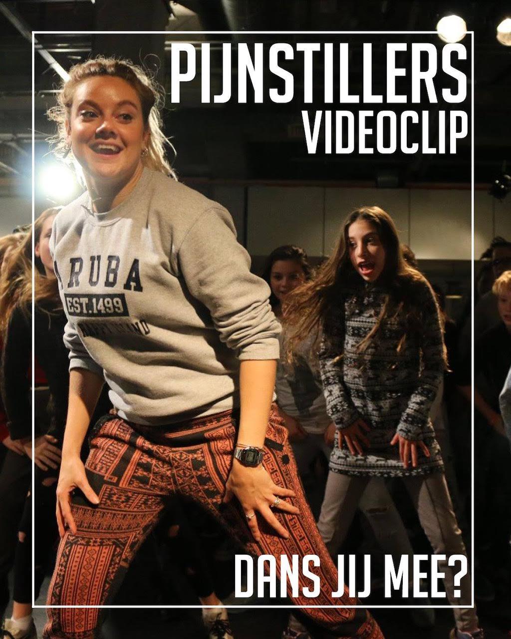 Dans mee in de videoclip van 'Pijnstillers'