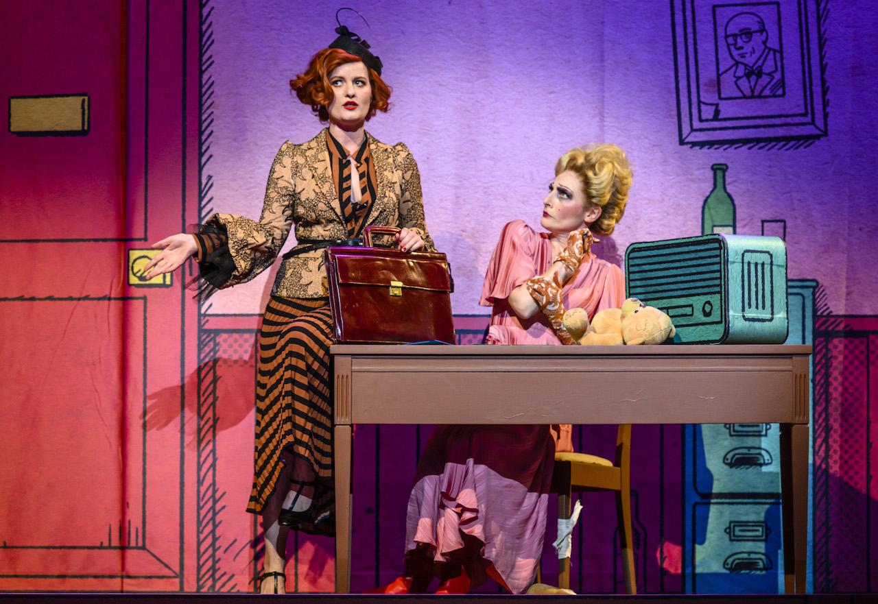 Naar de première van Annie de musical op 1 december?